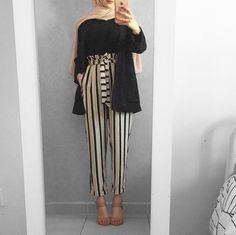 Pinterest: •@haf_tima•↠ ✦{fσℓℓσω тσ ѕєє мσяє}    ↠❣❥ Street Hijab Fashion, Abaya Fashion, Muslim Fashion, Hijab Style, Hijab Chic, Summer Fashion Outfits, Modest Fashion, Hijab Fashion Inspiration, Style Inspiration