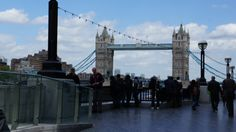 London Bridge http://fr.wikipedia.org/wiki/Pont_de_Londres