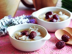 Pear and Red Dates Sweet Soup