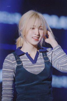 - Red Velvet Wendy in Gumi Love Live Festival Seulgi, Wendy Red Velvet, Velvet Shorts, K Idols, Swagg, Korean Girl Groups, Girl Crushes, Kpop Girls, Girl Hairstyles