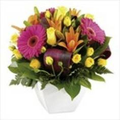 Giftblooms offers best flower arrangements for delivery in Australia. Save money by sending flower bouquets directly with a trusted local florist.