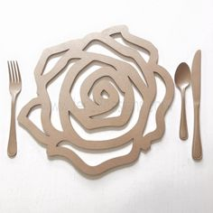 the artist has used the element of line. there are curved, thick and continuous lines featured in the design Laser Art, Laser Cut Wood, Laser Cutting, Woodworking Jigs, Woodworking Projects, Motifs Islamiques, Gravure Laser, Laser Cutter Projects, Tea Party Wedding