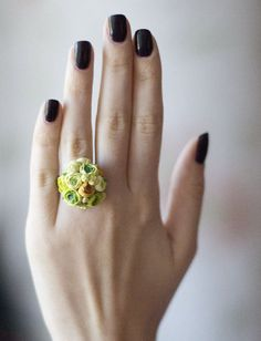 Handmade flower rings...an alternative to bouquets for bridesmaids or bridesmaids gift?