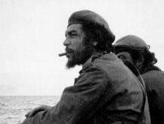 El 24 de abril de 1965, Ernesto Guevara llegó con una docena de combatientes cubanos al Congo belga para apoyar la lucha guerrillera e instalar una plataforma revolucionaria en el continente. La experiencia fue un rotundo fracaso.