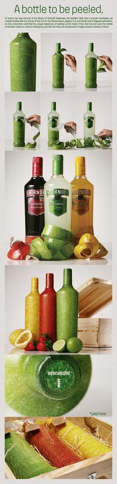 Les composants: - Le contenant: packaging tertiaire, une bouteille en verre transparente entourée à 90% d'un plastique rappelant la texture et la couleur du fruit. Le tout dans un coffre en bois. L'opercule permet un épluchage, une expérience sensorielle qui rappelle l'épluchage du fruit. - Le décor: un packaging original et design, une étiquette de la couleur du fruit (très peu d'informations) et un bouchon reconnaissable. Le décor met en avant les fruits comme en grande distribution.
