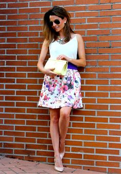 Fashion and Style Blog / Blog de Moda . Post: Oh My Looks skirt : Purple touch / Falda Oh My Looks : Toque malva .More pictures on/ Más fotos en : http://www.ohmylooks.com/?p=23700 .Llevo/I wear: Skirt/Falda : Oh My Looks shop (info@ohmylooks.com) ; Necklace / Collar : Oh My Looks shop (info@ohmylooks.com) ; Top : Zara (old) ; Bag/Bolso : BARADA  ; Shoes/Zapatos : Mango.