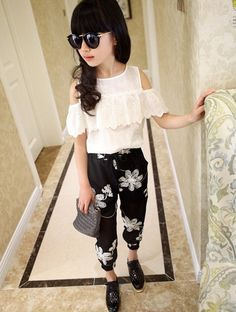 girls clothing sets Picture - More Detailed Picture about Summer 2017 Kids Fashion Girls Clothing Sets 2 pcs White Lace Blouse Top & Black Flowers Pants Set for Teenage Girls Clothes Set Picture in Clothing Sets from Princess J. Teenage Girl Outfits, Dresses Kids Girl, Outfits For Teens, Summer Outfits, Cute Outfits, School Outfits, Fashion Niños, Black Girl Fashion, Kids Fashion