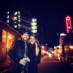 Thomas Rhett and his wife, Lauren, are on another planet when it comes to adorableness. His new single, 'Die A Happy Man,' is a beautiful love song he wrote specifically for his wife. Die A Happy Man, Dog Whining, Thomas Rhett, Country Music Singers, Home Team, Beautiful Love, Funny Tweets, Call Her, Happily Ever After