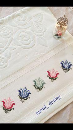 Cross Stitch Art, Cross Stitch Borders, Cross Stitch Designs, Cross Stitch Embroidery, Cross Stitch Patterns, Hand Embroidery Design Patterns, Diy Crafts Hacks, Bargello, Baby Knitting Patterns