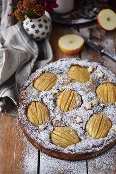 Bratapfelkuchen mit Mandeln und Zimt - Baked Apple Cake