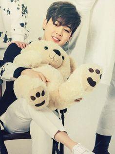 Eu quero um urso desse,olha o cabelo desse urso e o rosto todinho perfeito pra mim