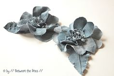 Make these lovely denim flowers in no time from old jeans with // Between the lines //. You could even hot glue them onto hair clips or bobby pins for that little something to spice up your 'do! Denim Flowers, Fabric Flowers, Paper Flowers, Flores Denim, Fabric Crafts, Sewing Crafts, Sewing Projects, Artisanats Denim, Fleurs Diy