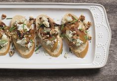 Blue Cheese and Walnut Mousse with some perfectly sautéed onions makes this a dip an absolute winner at your next gathering. Appetizers For Party, Appetizer Recipes, Thanksgiving Recipes, Holiday Recipes, Cheese Ball Recipes, Blue Cheese, Kitchen Recipes, A Food, Food Processor Recipes