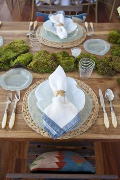 9 Best Tablescapes Images On Pinterest Tablescapes Table Scapes