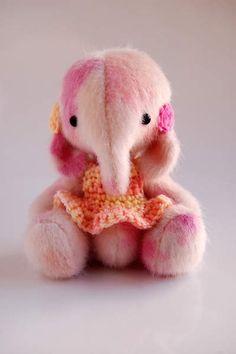 Tilly By Nathalie`s Bears - Well this is Tilly a small sweet Ellie about 11,5 cm ..... . Tilly is made out of a soft x pile really lovely colour I have dyed it myself there are 3 different colours in the x pile that I used in most of the ellie its a very soft 2 different pinks and salmonand creme colour love it ...