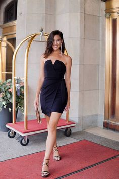 All black outfit Black Strappy Heels, Lace Up Heels, Girl Fashion, Fashion Outfits, Female Fashion, Black Strapless Dress, Dress Black, You Look Stunning, Ballroom Dance Dresses