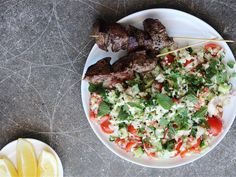 Solo:+Cauliflower+Tabbouleh+ Cauliflower Tabbouleh, Dinner Box, Cobb Salad, Dishes, Recipes, Food, Plate, Rezepte, Essen