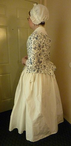 Costume Close-Up reproduction jacket tutorial, by Fashionable Frolick 18th Century Dress, 18th Century Costume, 18th Century Clothing, 18th Century Fashion, Vintage Dresses, Vintage Outfits, Victorian Dresses, Historical Clothing, Historical Women