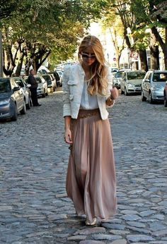 Street Style Looks With Long Skirts For Spring - Fashion Diva Design by Rx 4 life Cool Street Fashion, Look Fashion, Spring Fashion, Fashion 2015, Fashion Trends, Spring Skirts, Spring Outfits, Mode Outfits, Fashion Outfits