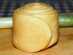 Hozzávalók: 10 l jó minőségű házi tej 1 adag parenyica sajt kultúra 4 ml tej oltó (naturen premium) só 15 ml folyékony füst koncent...