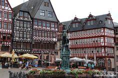 frankfurt_romerberg.jpg (2552×1701)