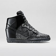 factory price 1e0f2 52ad0 Nike Dunk Sky Hi Vac Tech Women s Shoe. Nike Store Chaussure, Dunks De Nike