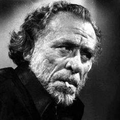 """e o amor é uma palavra usada  muitas vezes e  muitas vezes  cedo demais.""""  Bukowski, em O amor é tudo o que dissemos que não era"""