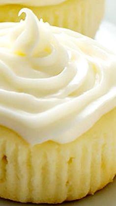 Limoncello Cupcakes with Limoncello Cream Cheese Frosting. Dense cake, not light cupcakes. Lemon Desserts, Lemon Recipes, Just Desserts, Delicious Desserts, Lemon Cakes, Food Cakes, Mini Cakes, Cupcake Cakes, Bundt Cakes