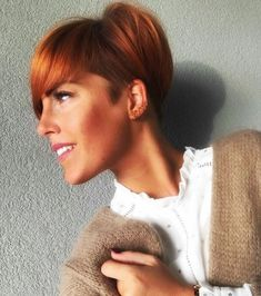 Kurzhaarschnitte 2019 for women: The best ways to be in the photo Popular Hairstyles, African Hairstyles, Afro Hairstyles, Very Short Hair, Short Hair Cuts For Women, Superkurzer Pixie, Afro Hair Care, Girls Short Haircuts, Trending Haircuts
