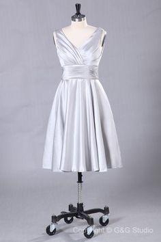 Sleeveless Satin Zipper V-neck Ruffles Bridesmaid Dresses