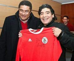 Eusebio e Diego Maradona Football Love, Football Jerseys, Diego Armando, Good Soccer Players, Most Popular Sports, Sports Marketing, Sports Clubs, Lionel Messi, Cristiano Ronaldo