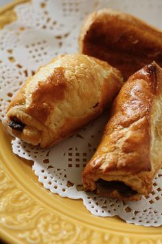 Chocolate Breakfast Rolls (A Morning Hack) - hummingbird high    a desserts and baking blog