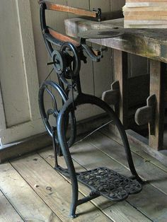 076a Scroll Saw by Headkeep, via Flickr