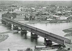 Warsaw the Kierbedz Bridge and view of the right bank of Vistula River Sydney Harbour Bridge, Warsaw, Never, Paris Skyline, City, Places, Pictures, Travel, Culture