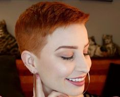 Terry Tough with sleek pixie Short Hair Dont Care, Short Hair Cuts, Pixie Styles, Short Hair Styles, Pixie Hairstyles, Cool Hairstyles, Shaved Pixie Cut, I Like Your Hair, Pelo Pixie
