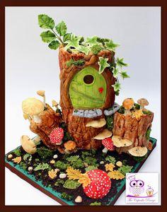 #fairy #woodlandcake #toadstool Fairy House Cake, Woodland Cake, Gingerbread, Cake Decorating, Teddy Bear, Desserts, Cakes, Food, Nature