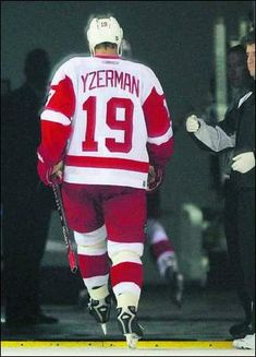 Steve Yzerman | skating off the ice for the last time.