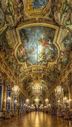 Ceiling Hall of Mirrors - Palace of Versailles