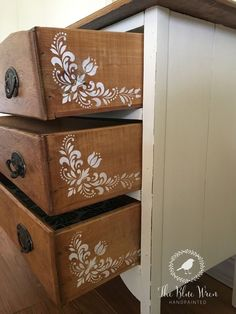 8 peekaboo drawer ideas wise little owl furniture what a pretty dresser by trish s vintage revamp she used prima redesign transfe dresser paintedfurniture pretty prima redesign revamp transfe trishs vintage Chalk Paint Furniture, Furniture Projects, Furniture Making, Diy Furniture, Diy Projects, Furniture Stencil, Furniture Shopping, Furniture Outlet, Furniture Stores