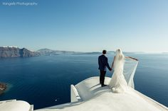 GREECE CHANNEL | Santorini honeymoon photoshoot