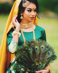 I have been editing the vlogs, if you don't know already I vlogged the preparations for my mehndi/gayeholud/wedding, well I tried my best… - Cobain Play Asian Wedding Dress Pakistani, Bengali Wedding, Wedding Mehndi, Wedding Bride, Mehndi Outfit, Mehndi Dress, Henna Mehndi, Sabina Hannan, Mehndi Makeup