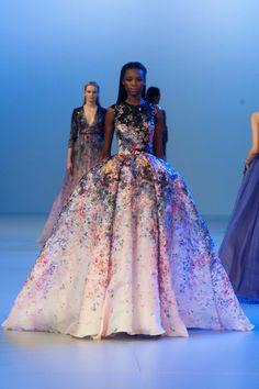 Elie Saab Haute Couture Spring / Summer 2014. Fotos Imaxtree. #dress #eliesaab #elle_de