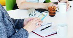AKAVA  Verkostot astinlautana unelmiin  Onko sinulla ammatillinen tavoite, johon päästäkseen pitäisi tuntea oikeat ihmiset? Kasvata kontaktiverkostoasi tekemällä pieniä palveluksia tutuille ja tuntemattomille.