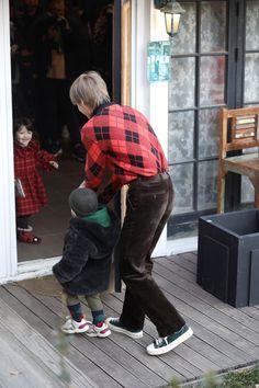 Raeon supposed to join the filming but he is too shy with people so Kai sent him back Chanyeol, Exo Kai, Superman Wallpaper, Baby Park, Exo Album, Kim Jong Dae, Korean Babies, Kim Minseok, Kpop Exo