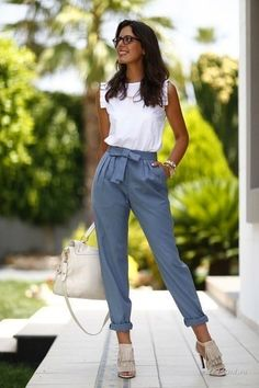 Casual Summer Office Outfits to Show Your Style at Work - Outfit & Fashion Summer Office Outfits, Casual Work Outfits, Mode Outfits, Work Attire, Work Casual, College Casual, Stylish Outfits, Casual Pants, Spring Work Outfits