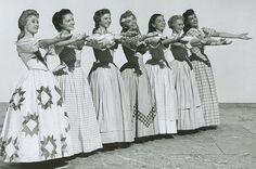 Jane Powell, Virginia Gibson, Norma Doggett, Ruta Kilmonis, Betty Carr, Nancy Kigas, Julie Newmeyer