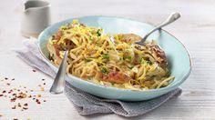 Jordskokk har en mild og deilig nøttesmak, og sammen med sitron, chili og hvitløk gir den deilig smak til denne enkle pastaretten. Det er ikke nødvendig å skrelle jordskokken, bare vask den godt før den tilberedes.