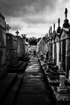 Dark Skies, St. Roch's, NOLA. Leica M (Typ 240), Leica Summilux 50mm f/1.4 ASPH. © Jim Fisher