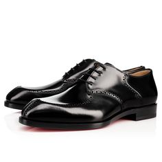 """""""A Mon Homme Flat"""" brings a fresh flourish to your work wear styles. Accentuated by minimalist broguing, this elegant derby in black lacquered leather features an abbreviated toe box punctuated by hand-stitched detailing at the tip."""