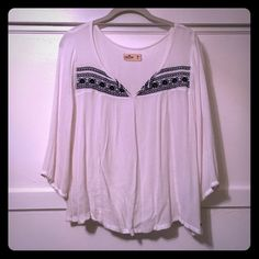 Hollister 3/4 sleeve shirt Worn a few times. In great condition. Very cute shirt to wear anytime. I negotiate within reason, please use offer button. Hollister Tops Blouses